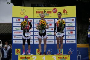 Podium of the women